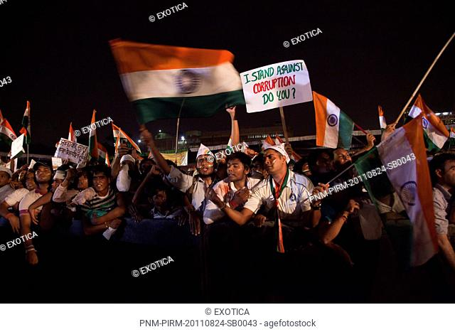 People protest against corruption in Anna Hazares indefinite fast, Ramlila Ground, New Delhi, India