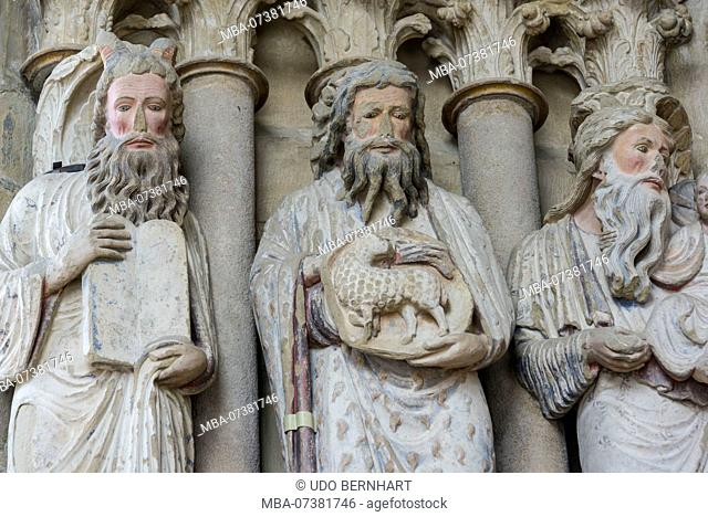 Holy figures on the west portal, Notre Dame Cathedral, Lausanne, Canton of Vaud, Western Switzerland, Switzerland