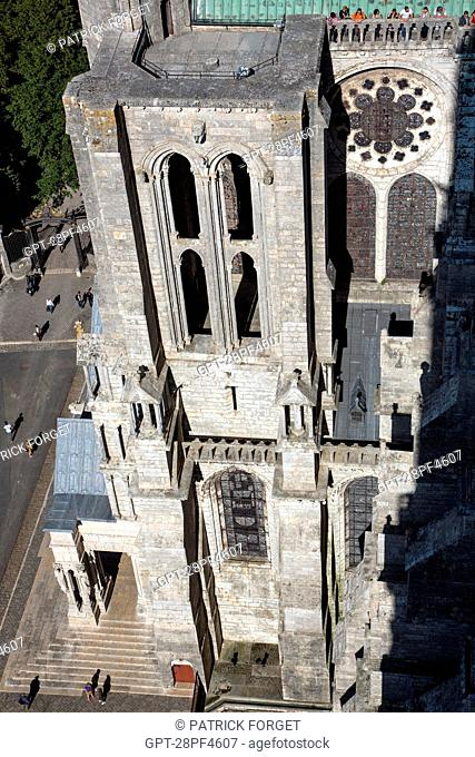 VIEW FROM THE ROOF OF THE CATHEDRAL NoTRE-DAME OF CHARTRES, UNESCO WORLD HERITAGE SITE, EURE-ET-LOIR 28, FRANCE