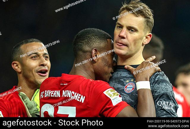 19 January 2020, Berlin: Football: Bundesliga, Hertha BSC - Bayern Munich, 18th matchday, Olympic Stadium. Thiago (l-r), David Alaba and Manuel Neuer of Bayern...