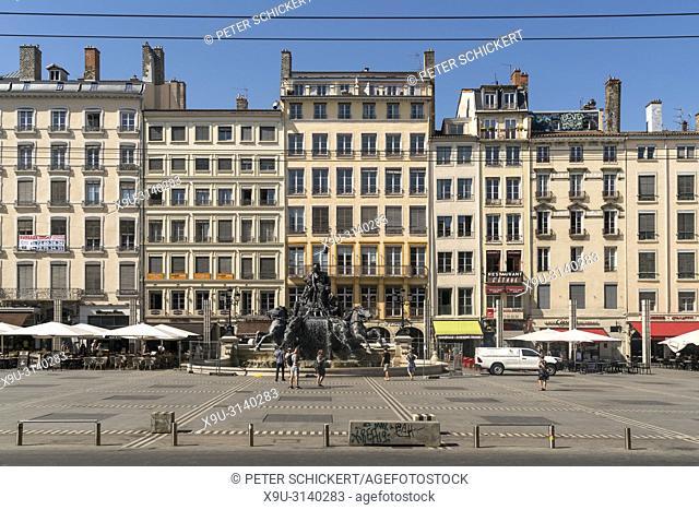 Bartholdi-Brunnen auf dem Platz Place des Terreaux, Lyon, Auvergne-Rhone-Alpes, Frankreich   The Fontaine Bartholdi on Place des Terreaux, Lyon