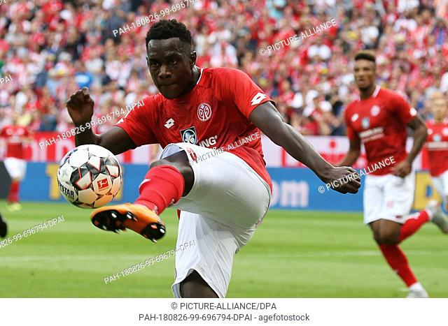 26 August 2018, Germany, Mainz: Soccer, Bundesliga, FSV Mainz 05 vs VfB Stuttgart, 1st matchday in the Opel Arena: Mainz's Jean-Philippe Mateta in action