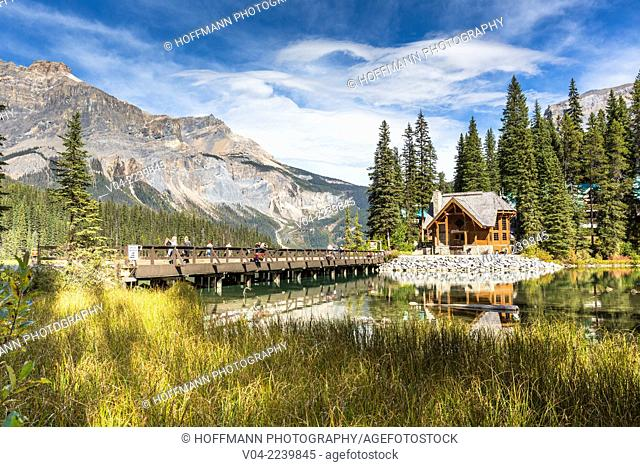 Picturesque log cabin on Emerald Lake in Yoho National Park, British Columbia, Canada