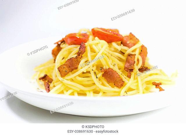 spaghetti pasta with Oregano bacon