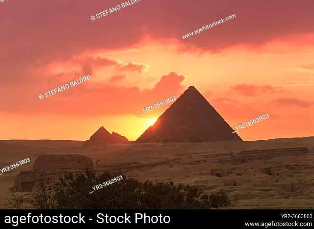 The pyramids of Menkaure at sunset, Giza, Egypt