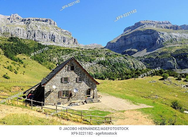 Refuge of Lizara. Sierra Bernera. Valles Occidentales Natural Park. Pyrenees mountains. Huesca province. Aragón. Spain