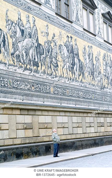 Mural Fuerstenzug, the Princes' Procession on the facade of the Langer Gang belonging to the Stallhof mews at the Augustusstrasse in Dresden, Saxony, Germany