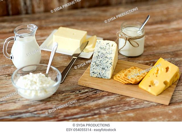 cottage cheese, crackers, milk, yogurt and butter