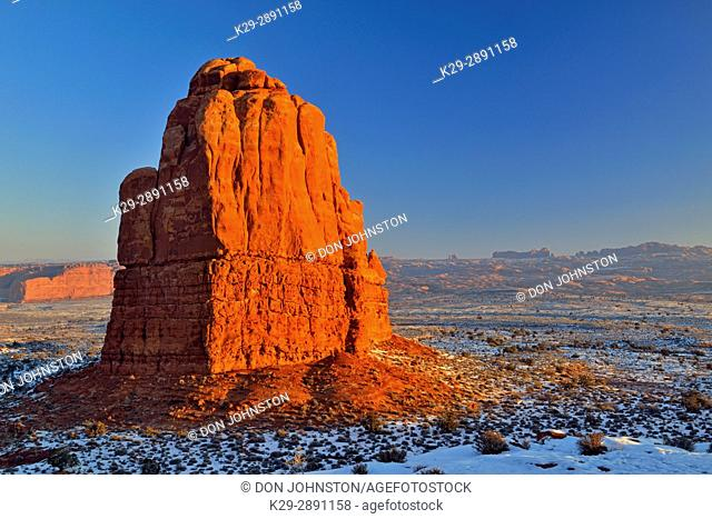 Sandstone pillar near the Courthouse towers in winter, Arches National Park, Utah, USA