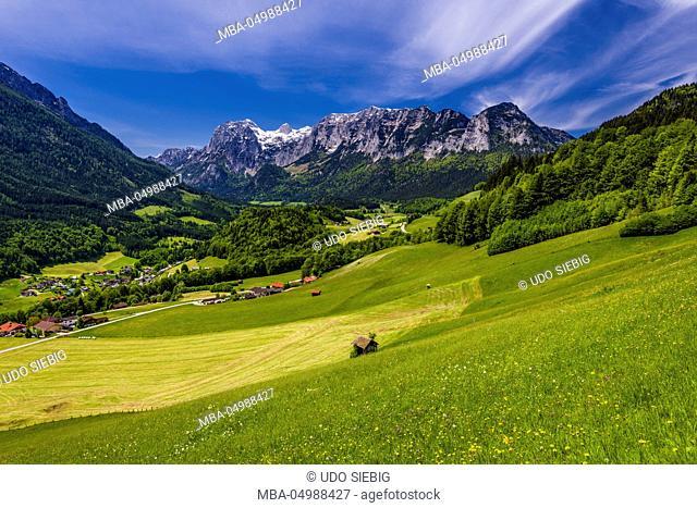 Germany, Bavaria, Upper Bavaria, Berchtesgadener Land, Ramsau near Berchtesgaden, view against Reiter Alm, view from Soleleitungsweg