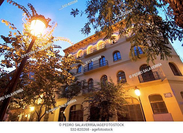 Edificio ti'pico en Zaragoza; Arago'n; Espan~a