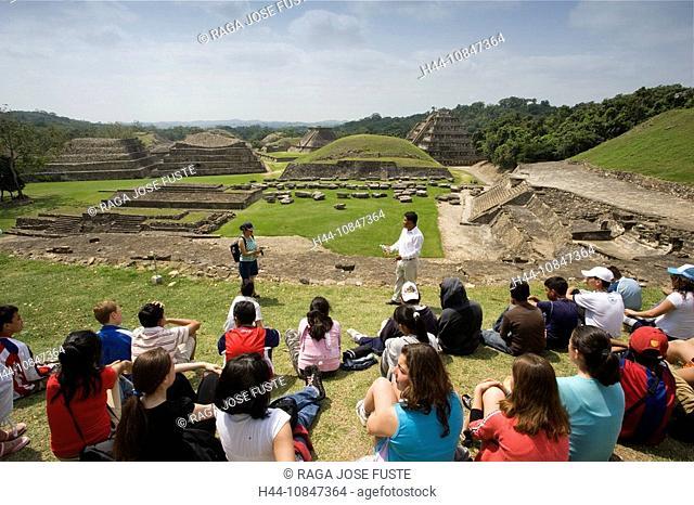 Mexico, Central America, America, Veracruz State, El Tajin, UNESCO, World heritage site, View, from El Tajin Chico, So