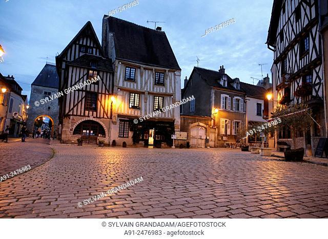 France, Burgundy, department of Yonne, historic village of Noyers