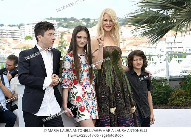 Barry Keoghan, Raffey Cassidy, Nicole Kidman, Sunny Suljic during the photocall of film Mise a mort du cerf sacre at 70th Cannes Film Festival, Cannes