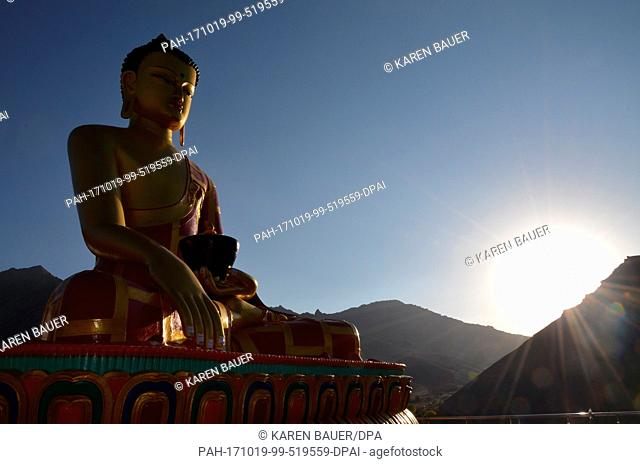 A buddha statue can be seen in the village Hemis Shukpachu, India, 2 October 2017. Photo: Karen Bauer/dpa. - Hemis Shukpachu/Sham Valley/India