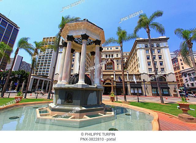 USA, California, San Diego. Historic town centre. Horton Plaza