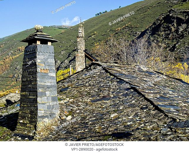 Typical slate chimney in a house in Pereda de Ancares. Valley of Ancares. The Ancares. Province of León. Castilla y León. Spain