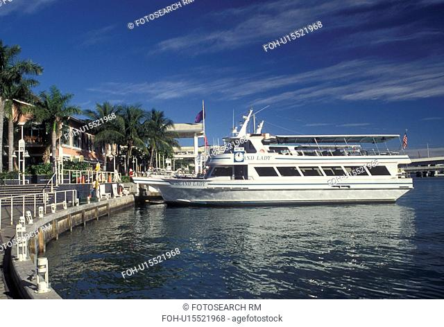 Miami, FL, Florida, Atlantic Ocean, Sightseeing cruise boat docked at Bayside Marketplace, a shopping, dining, entertainment mecca