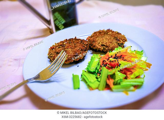 Millet burgers with chicory and carrot salad. Vegan and macrobiotic