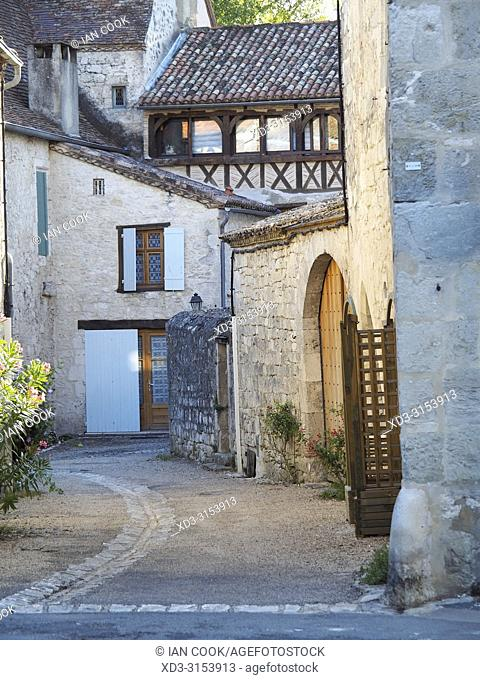 narrow street, Issigeac, Dordogne Department, Nouvelle-Aquitaine, France
