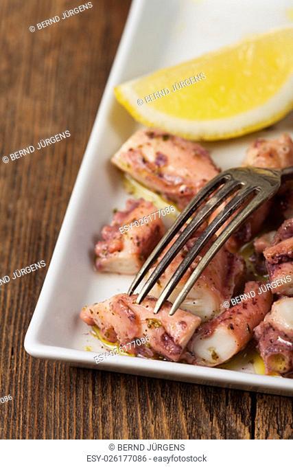 greek octopus salad with lemon