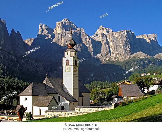 Church and village of Kolfuschg, South tyrol, Italy