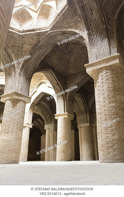 Hall of the Masjed-e Jame (Friday Mosque); Esfahan, Iran