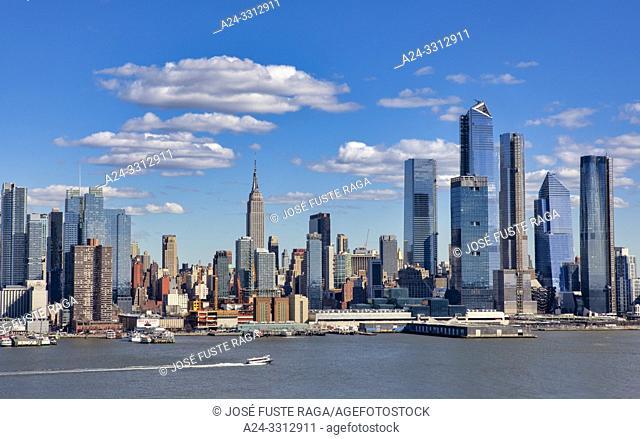 USA, New York City, Manhattan, Empire State Bldg. and Hudson Yards Skyline, Hudson river