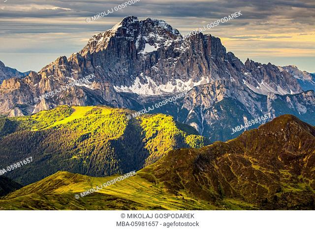 Italy, Alps, Dolomites, Mountains, View from Lagazuoi, Civetta, Spring