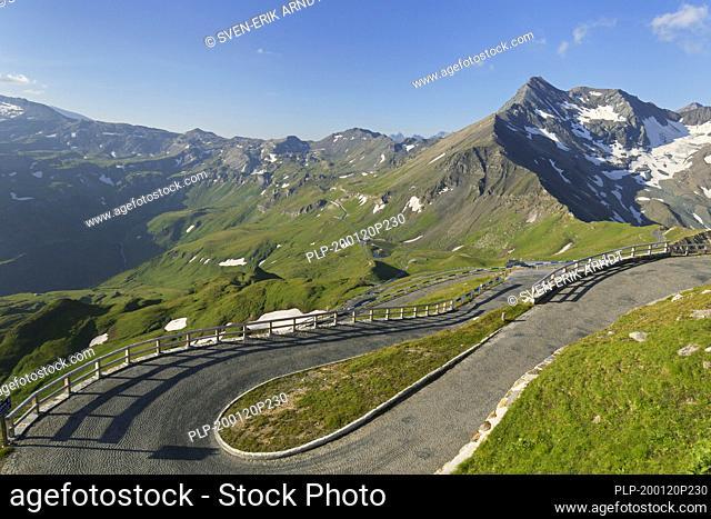 View from the Edelweissspitze over the Grossglockner High Alpine Road / Großglockner-Hochalpenstraße, Hohe Tauern NP, Salzburg, Austria