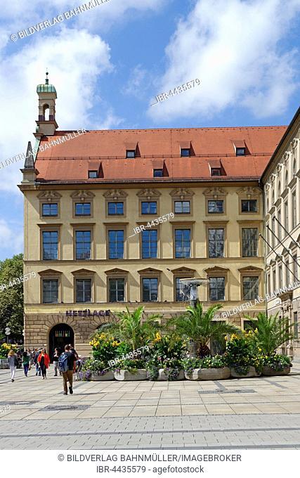 Old Academy, pedestrians, Neuhauser Strasse, Munich, Upper Bavaria, Bavaria, Germany