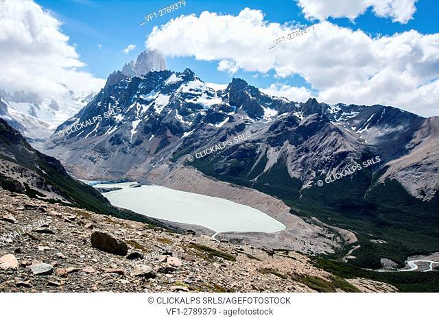South America, Argentina, Ande Mountains,Patagonia,Los Glaciares National Park, Paso de Las Agachonas