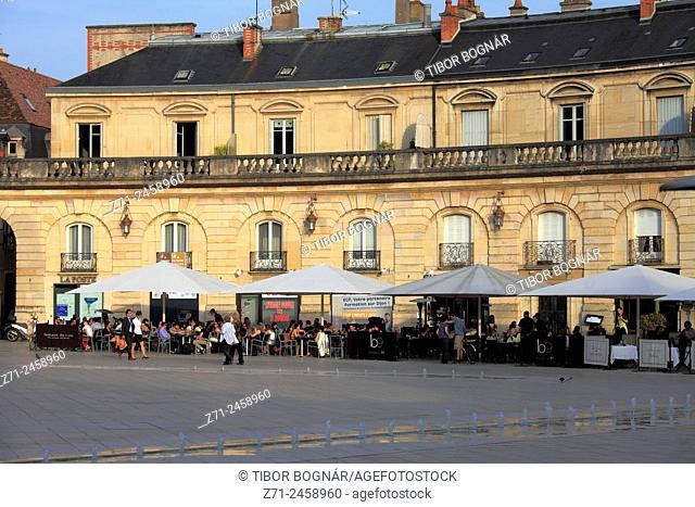 France, Bourgogne, Dijon, Place de la Libération, street scene, people