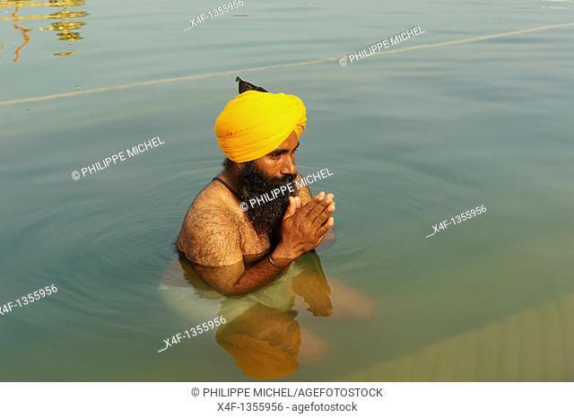India, Penjab, Amritsar, Harmandir Sahib Golden Temple, spiritual and cultural centre of the Sikh Religion