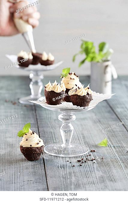 Cupcakes with banana frosting