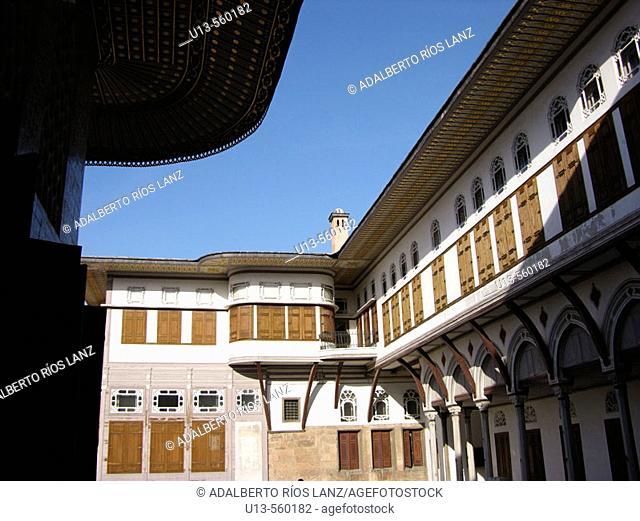 Courtyard Of The Favourites The Harem Topkapi Palace Istanbul Turkey