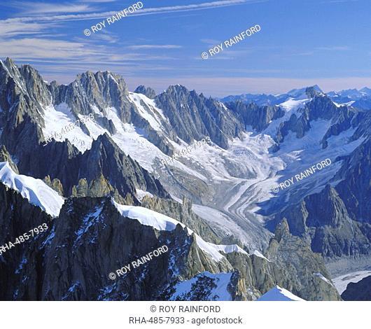 Mont Blanc range near Chamonix, French Alps, Haute-Savoie, France, Europe