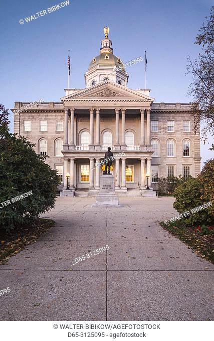USA, New England, New Hampshire, Concord, New Hampshire State House, dawn