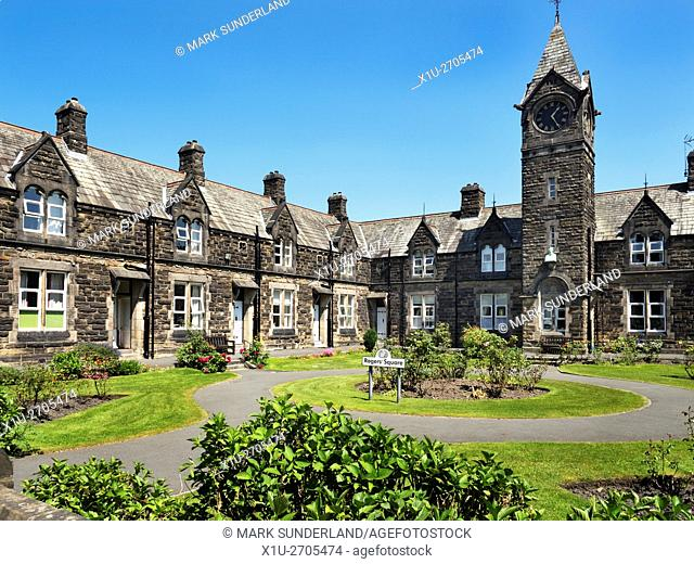 Rogers Square in Summer Harrogate North Yorkshire England