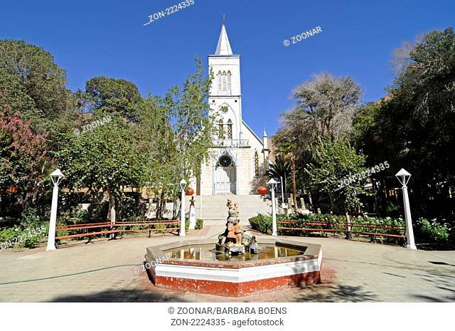 church, fountain, Kirche, Brunnen, Pisco Elqui village, Dorf, Vicuna, Valle d Elqui, Elqui Valley, Elqui Tal, Norte Chico, northern Chile, Nordchile, Chile