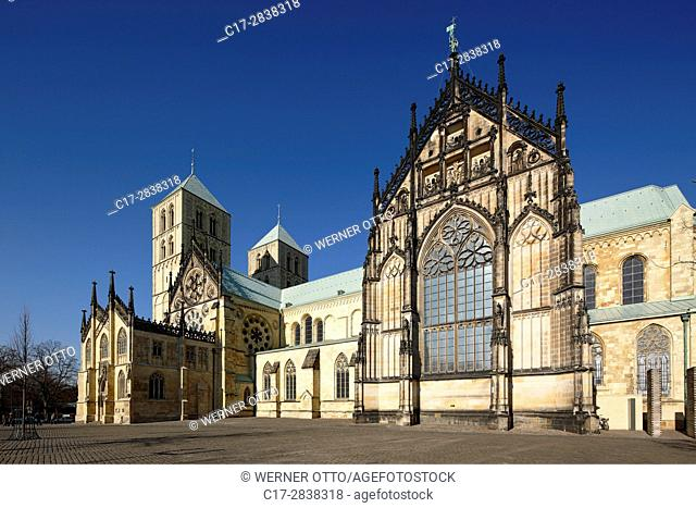 Germany, Muenster, Westphalia, Muensterland, North Rhine-Westphalia, NRW, St. Paul Cathedral at the Domplatz, Dom square, episcopal church