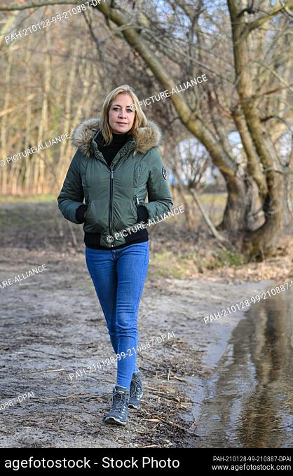 26 January 2021, Berlin: Actress Annika Ernst during a walk at the Müggelsee in Friedrichshagen. She plays the role of the new doctor Dr