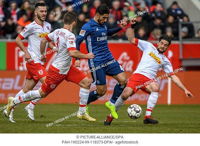 24 February 2019, Bavaria, Regensburg: Soccer: 2nd Bundesliga, Jahn Regensburg - Hamburger SV, 23rd matchday in the Continental Arena
