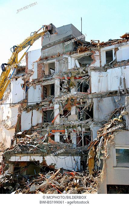 house demolishing, Austria, Tyrol