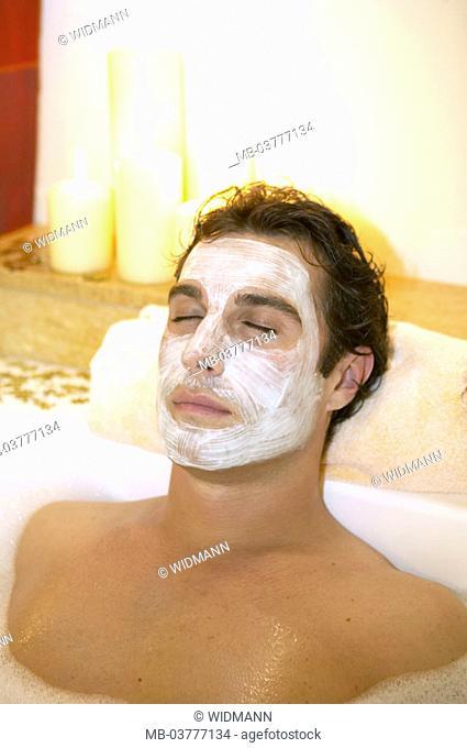 Bathtub, man, face-pack, Relaxation  30-40 years, bath, bubble bath, swims, cleans, personal hygiene, body hygiene, hygiene, recuperation, relaxen, enjoying