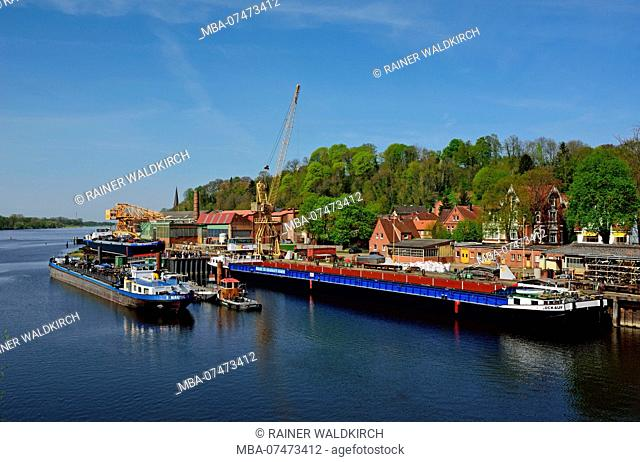 Europe, Germany, Lower Saxony, Hamburg metropolitan area, Lauenburg, Elbe, Hitzler shipyard, shipbuilding