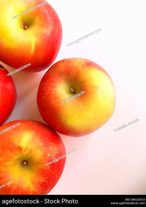 Four apples. View from above