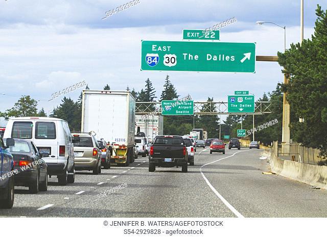 Traffic on Interstate 84 in Portland, Oregon, USA