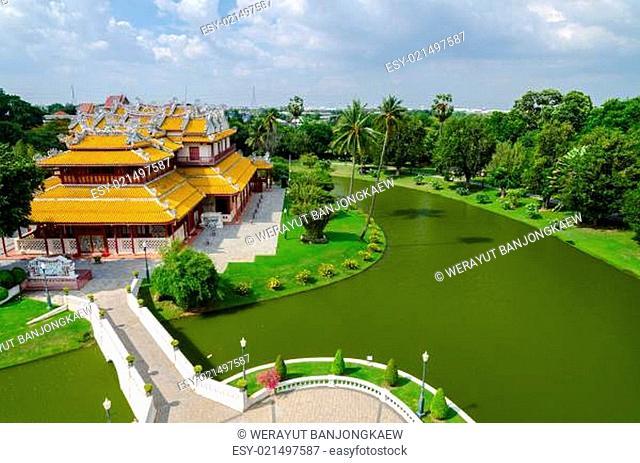 Phra Thinang Wehart Chamrun (Royal Residence Heavenly Light)