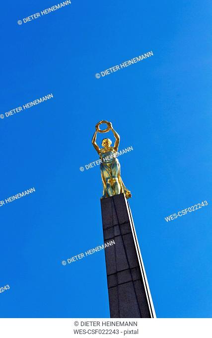 Luxembourg, Place de la Constitution, Gelle Fra Monument